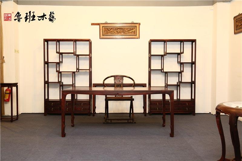 认为只要是红木制作的家具就都有收藏价值,这种看法是错误的.